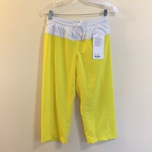 Lululemon Step Lively Crop Pants 4 yellow white